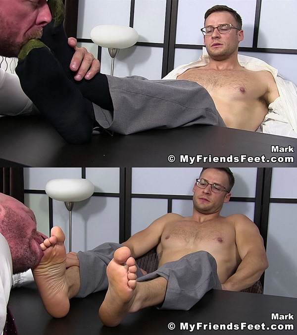 Myfriendsfeet - Killian Knox Worships Mark Summers 01